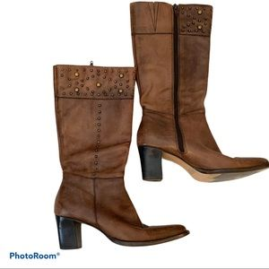 White Mountain Vegas Leather Heeled Boots